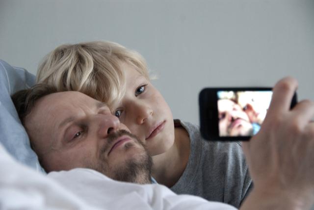 "Screenshot aus ""Halt auf freier Strecke"" (Andreas Dresen, D 2011)"